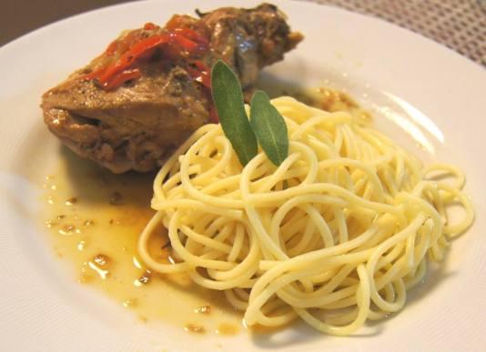 spaghetti de salvia e coelho