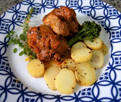 cordeiro ao molho com batatas