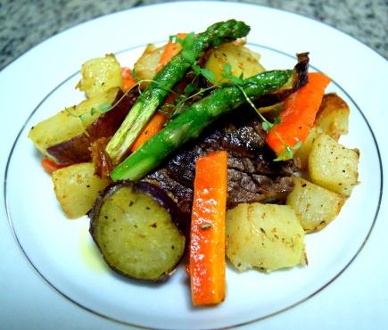 filé mignon e legumes salteados
