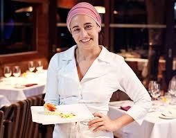 Bel Coelho, do Clandestino, assume cozinha do Quitéria em jantar ...